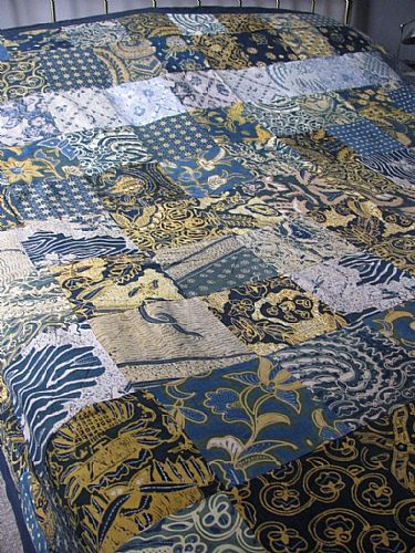 Photo of our Double patchwork bedcover in vintage batik.