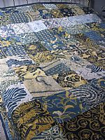 Double patchwork bedcover in vintage batik.