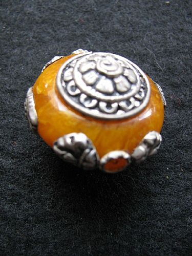 Photo of our Afghan amber bead