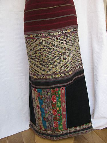 Photo of our Tai Daeng brocaded skirt