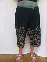 Photo 9 of our Yao embroidered trousers