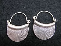 Photo 3 of our Silver basket earrings
